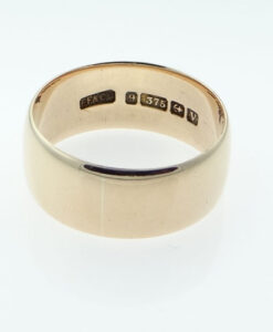 Vintage gold wedding ring
