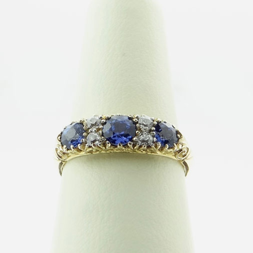 18ct gold sapphire and diamond ring