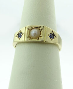 Gold Sapphire and Pearl Ring