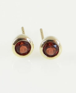 gold garnet stud earrings