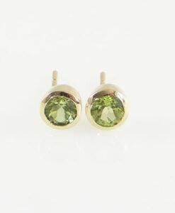 yellow gold peridot stud earrings