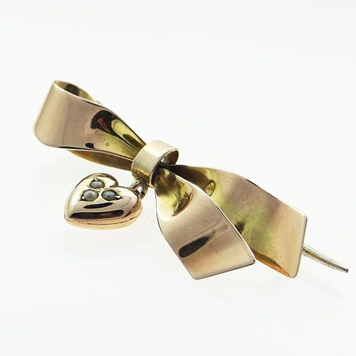 9ct Rose Gold Ribbon and Heart Brooch c1910