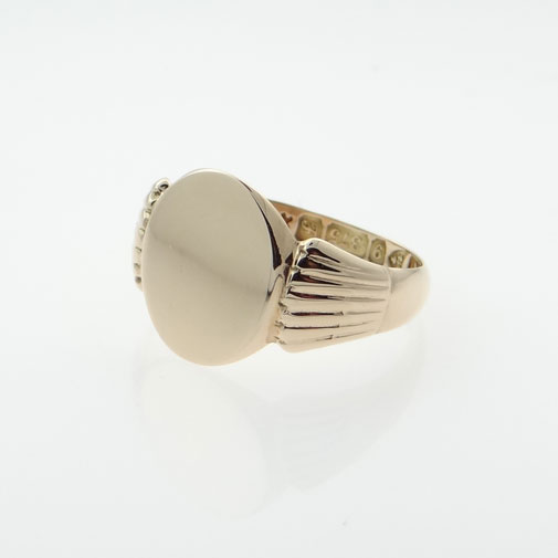 Antique Gold Oval Signet Ring