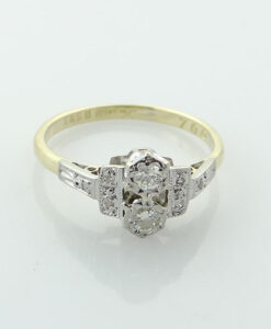 Art Deco Diamond Ring c1940
