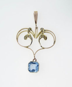 9ct Gold Blue Topaz and Seed Pearl Pendant