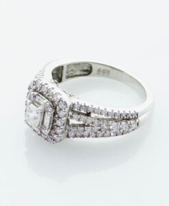 18ct White Gold Diamond Cluster Ring 1.00ct