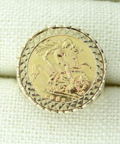 9ct Gold Mount Ring with 1982 Half Sovereign Coin