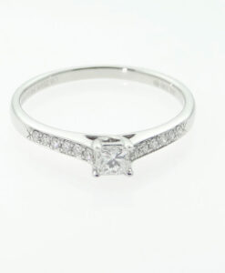 18ct White Gold Princess Cut Solitaire with Diamond Shoulders