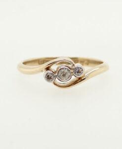 Art Deco Three Stone Diamond Ring, circa 1920